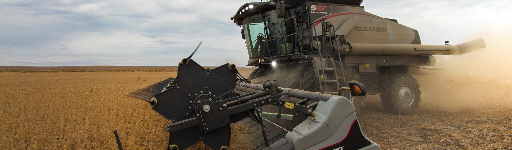 Parkland Farm Equipment   Tractor Dealers North Battleford   Home